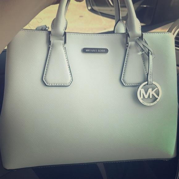 0cc8dbbfa729 Brand new optic white MD satchel leather CAMILLE. M 5b8568f4de6f624a06a96efd